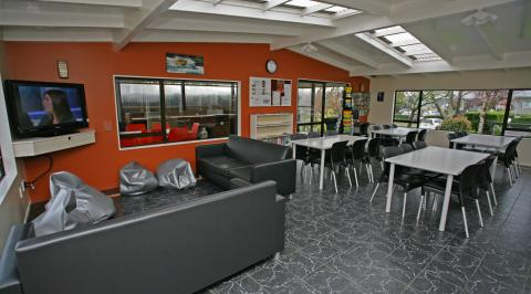 Holiday Park Lounge